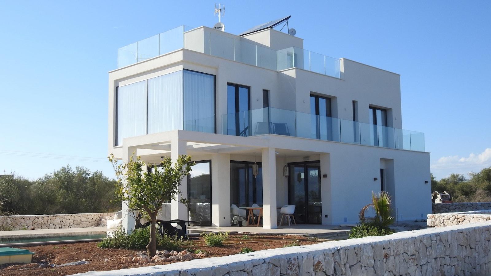 dom-sklo